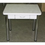 Стол обеденный  с ящиком ЛДСП\пластик