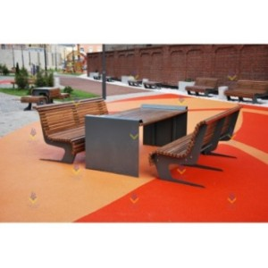 Стол с двумя скамьями со спинками на металлическом основании